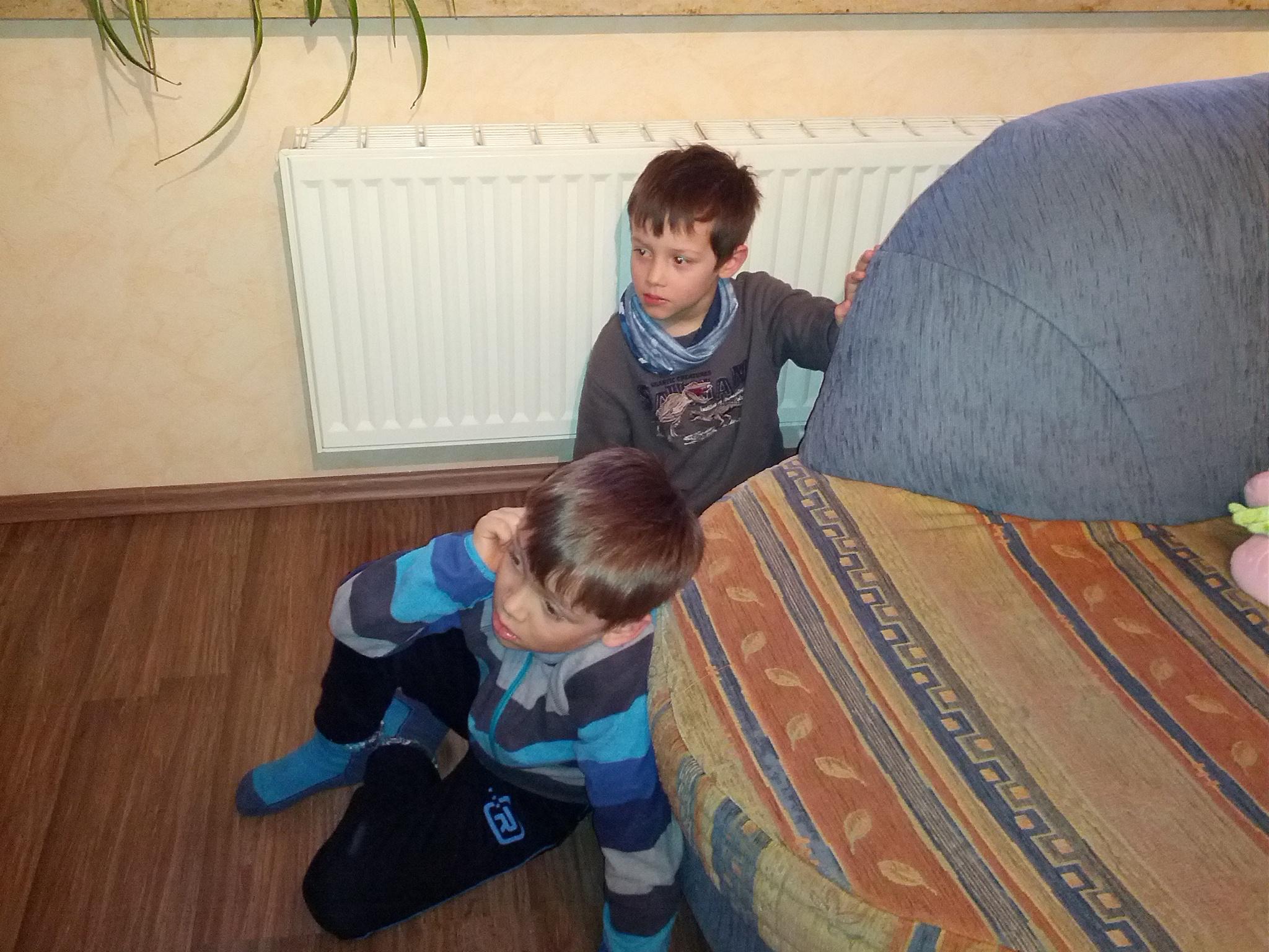 Auch Pascal und Fabian sind gefesselt.